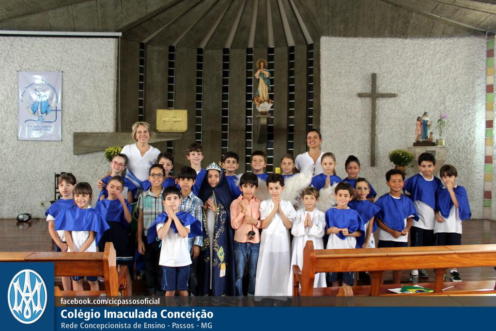 Você está vendo imagens do artigo: 2º ano EF: Momento Mariano