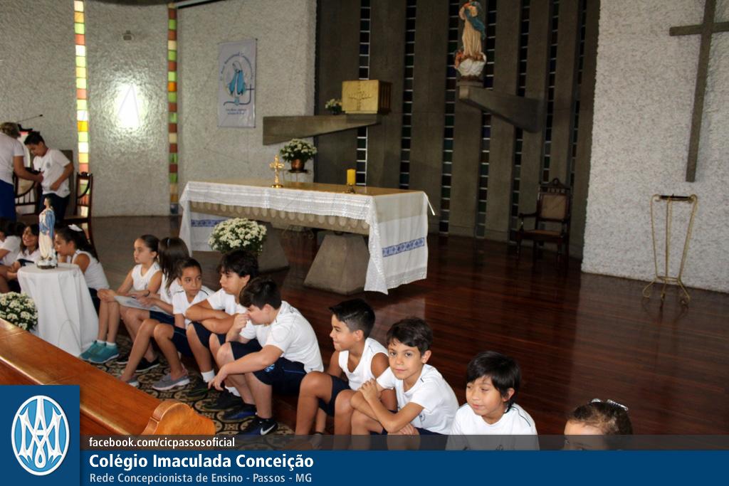 Você está vendo imagens do artigo: 4º ano EF: Momento Mariano